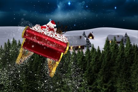 Sankt fliegt mit seinem Schlitten gegen Sternenhimmel über Tannen