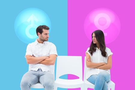 not talking: Coppia arrabbiato non parlare dopo argomentazione contro rosa e blu