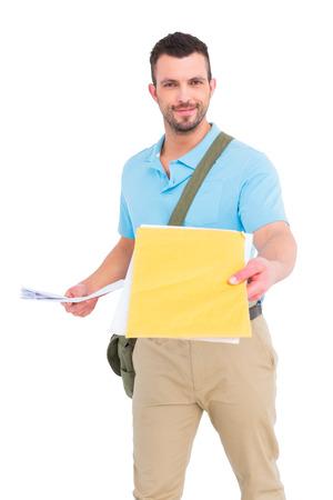 cartero: Cartero con carta en el fondo blanco