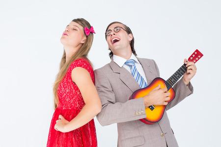 together with long tie: Hipster pareja se divierten juntos en el fondo blanco Foto de archivo
