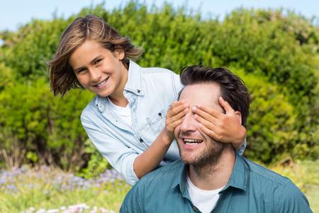 父と息子の田舎で楽しんで