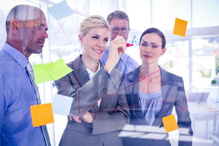 Business-Team mit einem Treffen im Büro Standard-Bild - 42200529
