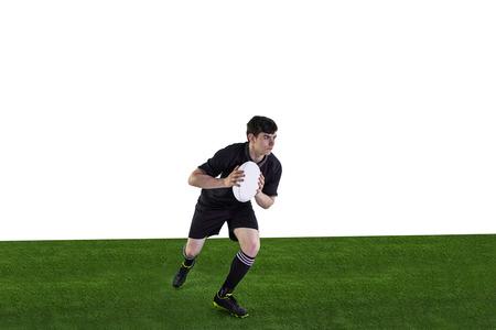 and rugby ball: El jugador de rugby corriendo con el bal�n de rugby en un fondo blanco