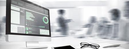 ビジネス インタ フェースに対してコンピューター画面