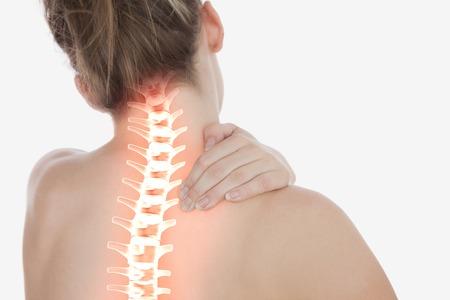 collo: Composizione digitale della colonna evidenziata di donna con dolore al collo Archivio Fotografico
