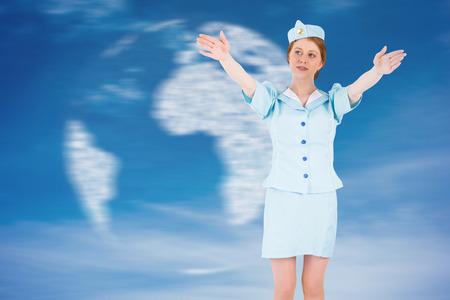 salidas de emergencia: Azafata bonita con los brazos levantados contra el mundo digital generada en el cielo