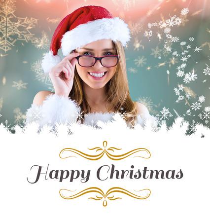 pere noel sexy: Sexy Santa fille portant des lunettes contre fronti�re