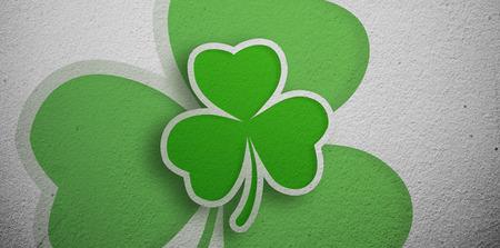 saint patty: Verde trifoglio disegno sul muro grigio