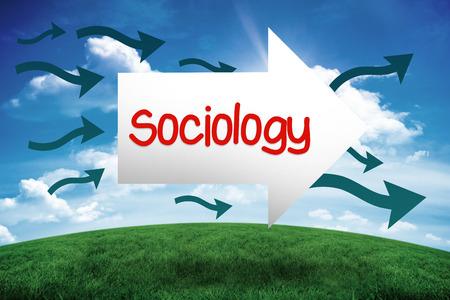 sociologia: La palabra sociología y flecha contra la colina verde bajo el cielo azul
