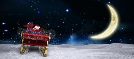 papa noel en trineo: Vuelo de Santa en su trineo contra la luna creciente en el cielo nocturno Foto de archivo