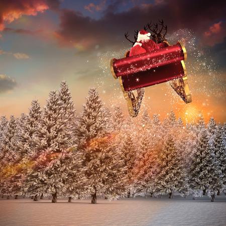 papa noel en trineo: Vuelo de Santa en su trineo contra el bosque de abetos en paisaje nevado