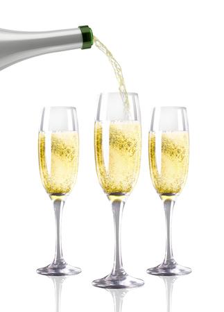 copa de vino: Una botella de Champán que vierte en una flauta