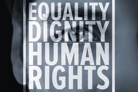 derechos humanos: Cerca del hombre serio contra los derechos humanos