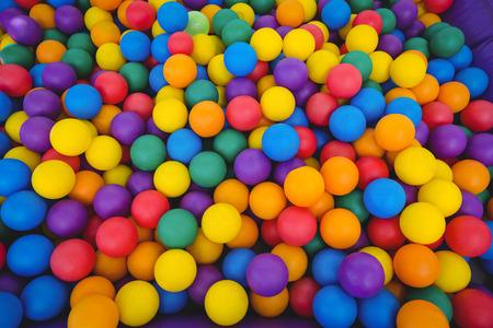 Widok kolorowych piłeczek z gąbki