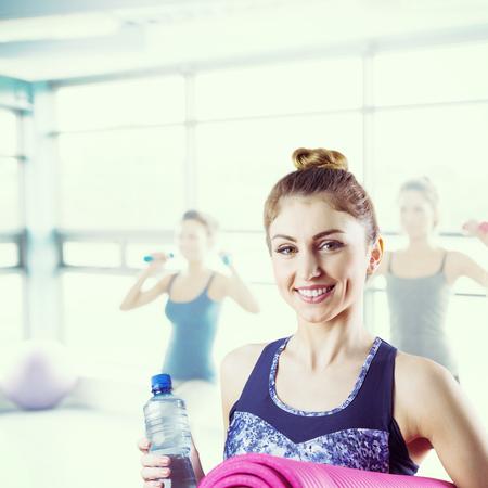 Image composite de brune ajustement mat tenue de yoga