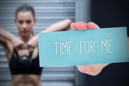 part of me: La palabra tiempo para mí y la mano que muestra la tarjeta en contra