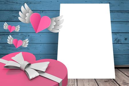 recibo: Corazones con alas volando en una hoja de papel