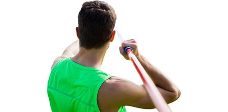 lanzamiento de jabalina: Vista trasera del deportista practicando lanzamiento de jabalina Foto de archivo