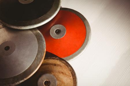 lanzamiento de disco: Cerca de los disco sobre una mesa Foto de archivo