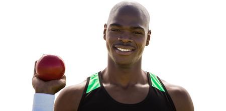 shot put: Retrato de deportista feliz est� celebrando un lanzamiento de peso sobre un fondo blanco