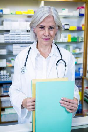 salud publica: Retrato de la celebración de archivos farmacéutico en farmacia