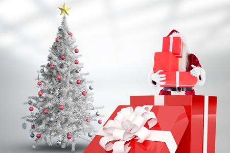 pere noel sexy: Santa Claus, tenue, pile, noël, cadeaux, intérieur, cadeau, boîte, contre, blanc, fond