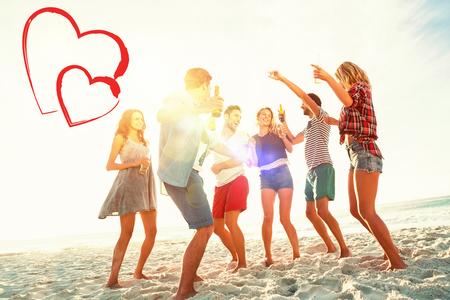 maillot de bain: amis danser sur la plage