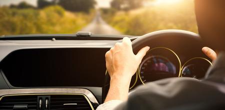 그녀의 차에서 운전자 좌석에 앉아있는 사업가 스톡 콘텐츠