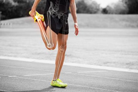 Digital, compuesto, destacado, huesos, atleta, hombre, estirar, raza, pista Foto de archivo - 79271786
