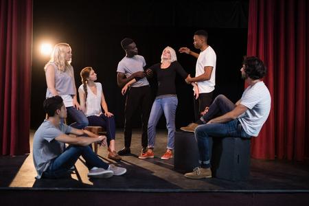 Actores, practicar, juego, etapa, teatro Foto de archivo