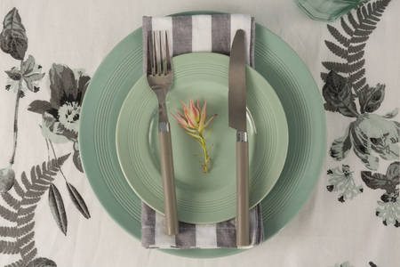Overhead view of elegant table setting with flower Banque d'images