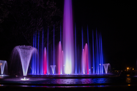 Colorful musical fountain in Margaret Island, Budapest, Hungary at night 版權商用圖片