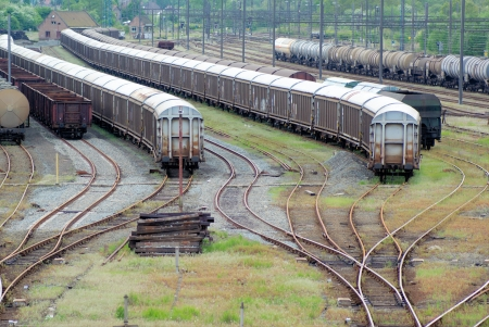 convoy: exchanger and train convoy waiting to be loaded