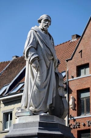 frans: Statue of Adriaan Frans Servais (1807-1866), Halle, Belgium. The statue in Carrara marble (1871) is made by Cyprien Godebski.
