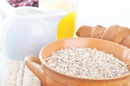 A bowl of oatmeal  Health Breakfast Stock Photo - 18671970