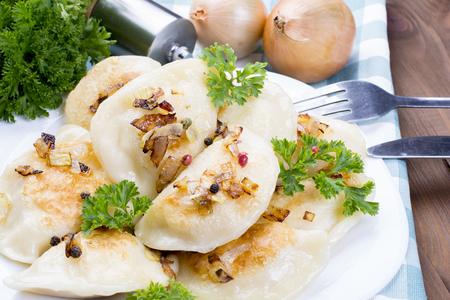 bolinhos pierogi caseiros, alimento polonês