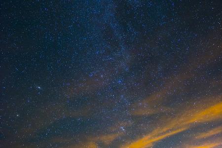 Een deel van de Melkweg en de Andromedanevel