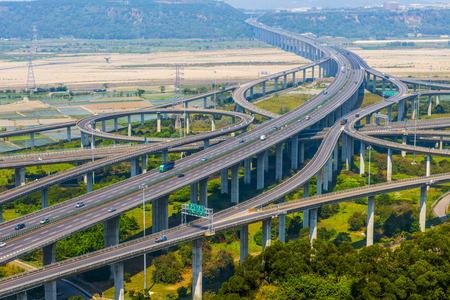 Architecture de la construction de la route avec des belles courbes dans la journée à Taïwan, Asie. Banque d'images