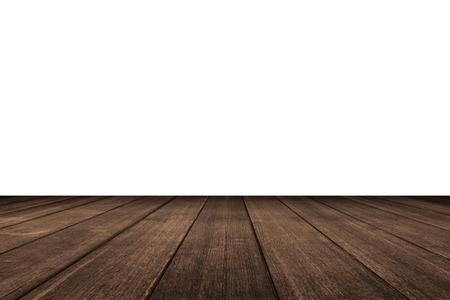 흰색 배경에 관점에서 오래 된 빈티지 부두를 나무 테이블