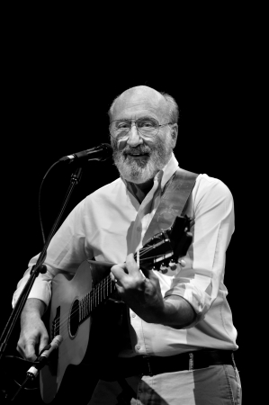 ST. PETERSBURG, FLORIDA (USA) - FEBRUARY 18, 2012: Paul Stookey, best known as Paul in the folk trio Peter, Paul and Mary, plays his guitar at The Palladium. Stock Photo - 16019843