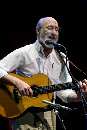 ST. PETERSBURG, FLORIDA (USA) - FEBRUARY 18, 2012: Paul Stookey, best known as Paul in the folk trio Peter, Paul and Mary, plays his guitar and sings at The Palladium. Stock Photo - 16019988