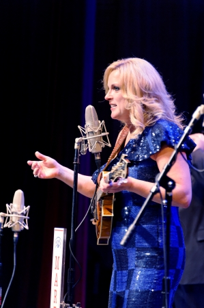 bluegrass: ST. PETERSBURG, FLORIDA (USA) - JANUARY 27, 2012: Rhonda Vincent, often called the Queen of Bluegrass, talking to the audience at The Palladium.