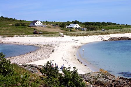 scilly: The sand bar between St. Agnes and Gugh, Isles of Scilly. Stock Photo