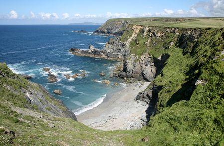 giver: Castillo dador Cove, Cornwall, Reino Unido.  Foto de archivo