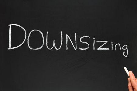decreasing in size: Riduzione di scrittura su una lavagna.