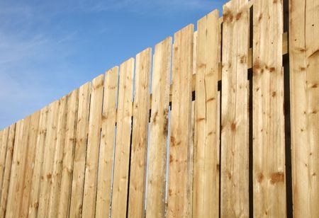 p�rim�tre: Cl�ture du p�rim�tre en bois.
