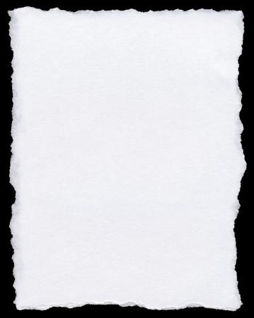 gescheurd papier: Witte gescheurd papier pagina geïsoleerd op een zwarte achtergrond.
