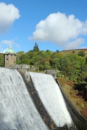 elan: Penygarreg reservoir overflowing water, Elan Valley, Wales. Stock Photo