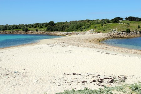 scilly: Sand bar beach between St. Agnes and Gugh, Isles of Scilly. Stock Photo