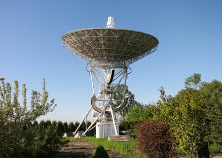 a telescope detecting radio waves